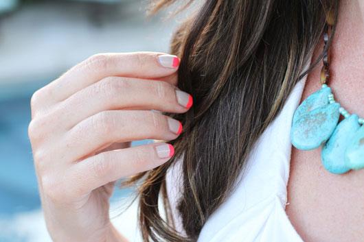 DIY-Neon-Manicure