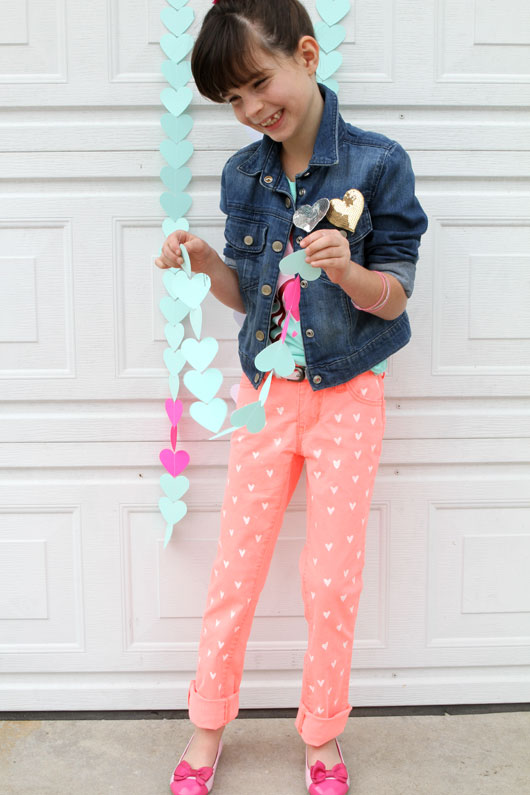 DIY-Neon-Painted-Heart-Jeans-For-Girls