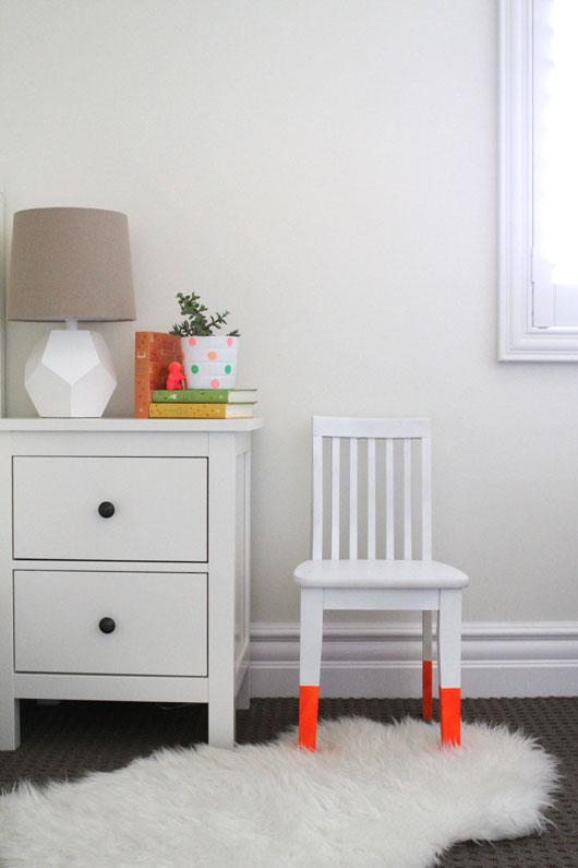 Neon-Dip-Dye-Chair
