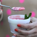 greek-yogurt-fruit-cups