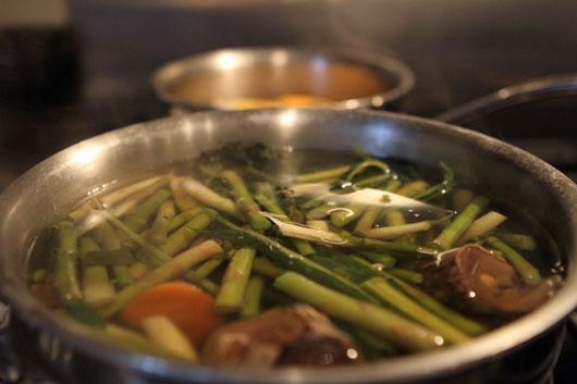 making-vegetable-stock