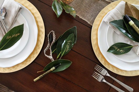 DIY-thankful-notes-on-magnolia-leaves