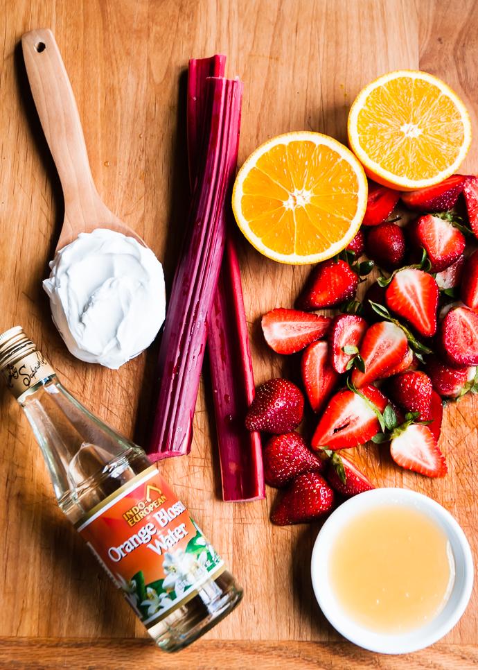 rhubarb strawberry smoothie ingredients