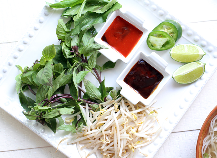 chicken-pho-toppings-and-sauce