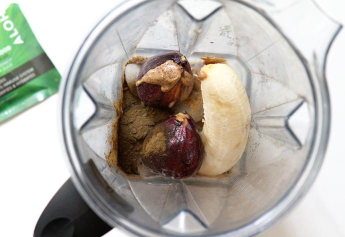 Aloha-Cacao-and-fig-smoothie