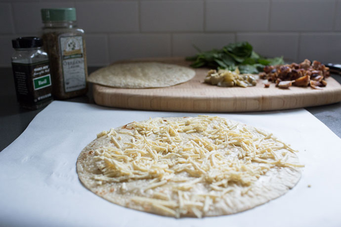 Caramelized-Onion-Chicken-Pizza-3